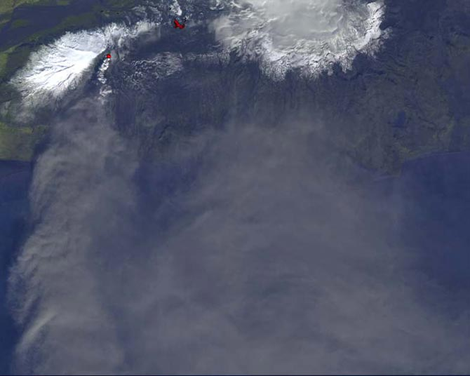 Вулкан Эйяфьятлайокудль фото